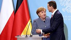 Kesztyűt dobtak Merkel arcába a lengyelek