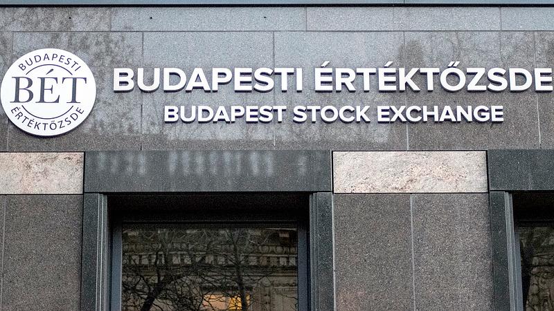 Vörösbe borult Budapest - csak a Richter tartotta magát