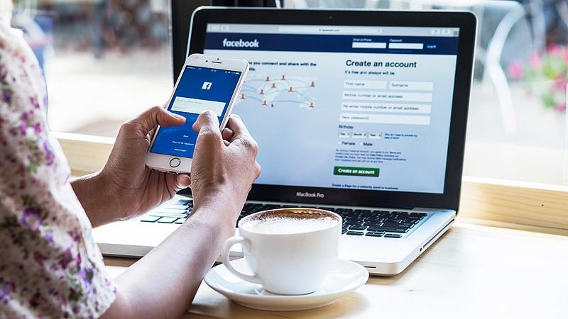 Újabb hiba a Facebooknál - 50 millió fiók volt veszélyben
