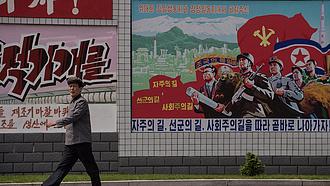 Láncfűrésszel formálja az emberek lelkét Észak-Korea vezére