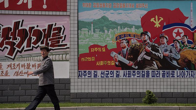 Rettenetes év Észak-Koreában, nagy bajban van a diktátor