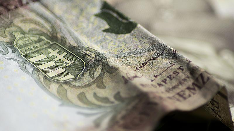 Már az államadósság csökkentésére is veszélyes a hiány