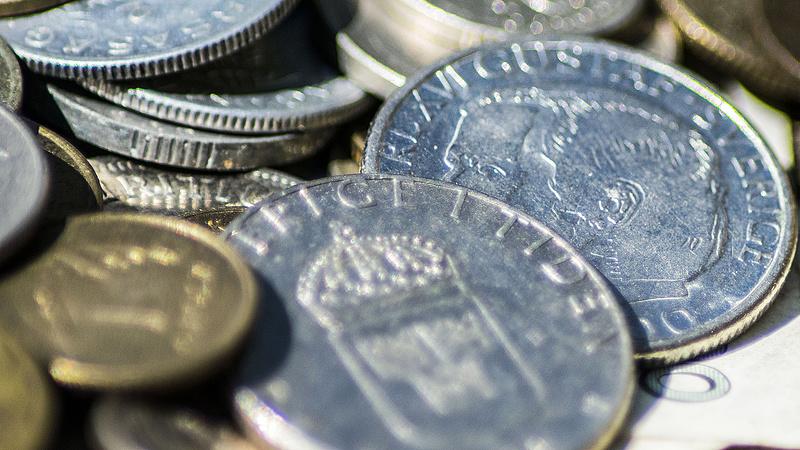 Gyengült pénteken a forint