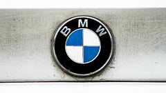 Közel 140 ezer autót hív vissza a BMW