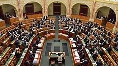 Meg sem alakult az új parlament, már egymilliárdot költenek a képviselőkre