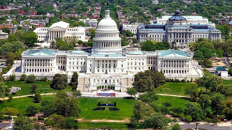 Új kísérletet tesz a magyar kormány Amerika szívének meghódítására