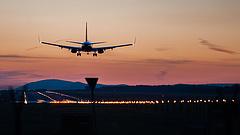 Rosszul landolt a gép -  lezárták a belgrádi repülőteret