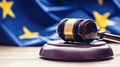 Uniós főtanácsnok: nem kell minden elfogatóparancsot végrehajtani