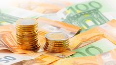 Idei mélypontjára gyengült az euró