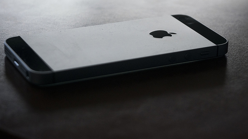 iPhone tulajdonosokat figyelmeztet az Apple
