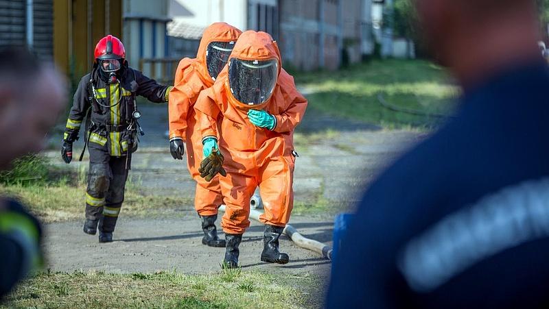 Riasztották a katasztrófavédőket - ammónia szivárgott
