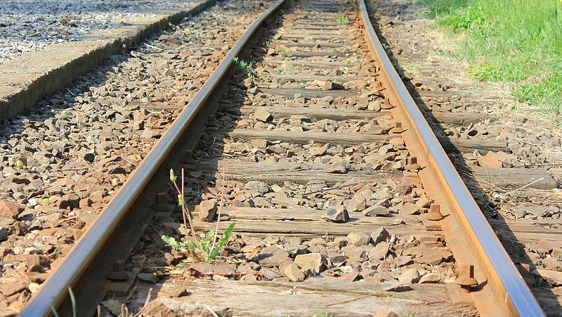 Befejeződik a ceglédi vasútvonal felújítása