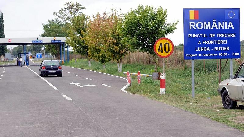 Megy az egymásra mutogatás a magyar-román határon
