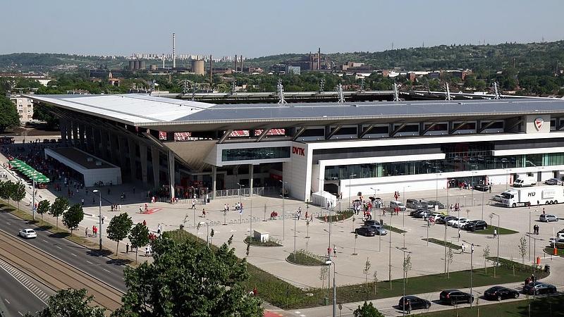 Újabb stadion készült el Magyarországon