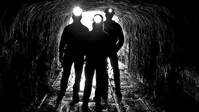 Hatalmasat kaszálnak idén a bitcoin-bányászok