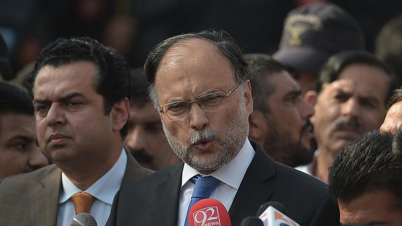 Meglőtték a pakisztáni belügyminisztert