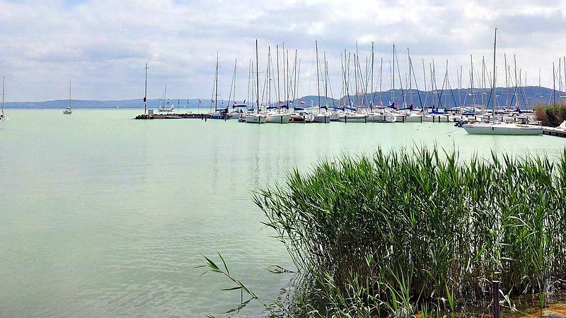 Mutatjuk, mennyit kell fizetni a Balatonnál a nyáron