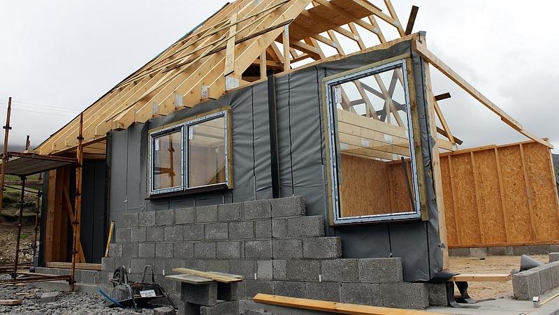 Újlakás-dömping, megtorpanó építési kedv, fordulat a lakáspiacon