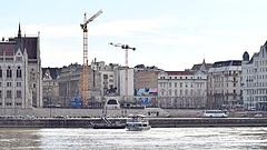 Magyarországon 40 százalékot zuhant a beruházási piac