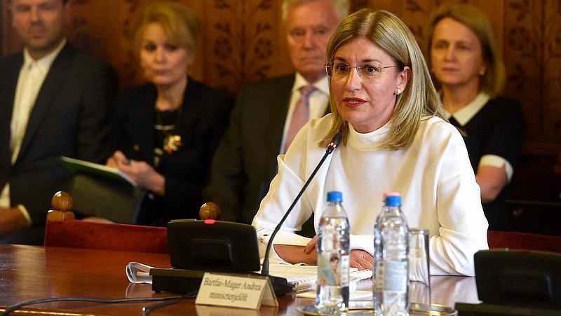 Bocsánatot kért hibájáért a magyar miniszter