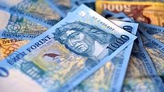 Gyenge forint - elindult az áremelés az autópiacon