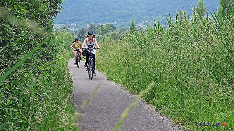 Határon átnyúló kerékpáros túrák támogatására lehet pályázni