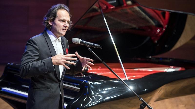 Újabb Bogányi-zongorát adott át a magyar állam