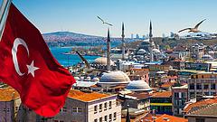 Nagy a baj a törököknél - leváltották a jegybank elnökét