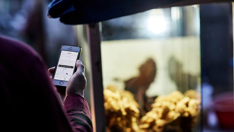 Az Uber bevásárolná magát egy online élelmiszerbolt-hálózatba