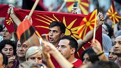 Forrnak az indulatok Macedóniában