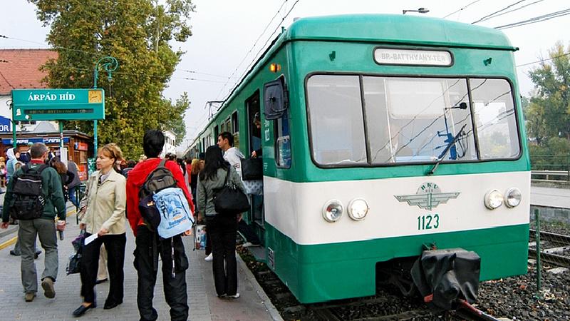 Tarlós az év viccének tartja az 5-ös metrózást