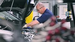Újra elindult a gyártás a Mercedes-gyárban