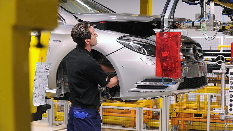 Autógyár-függőség: árulkodók a júliusi gazdasági adatok