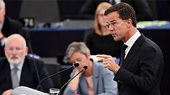 Már csak Putyinnal egy mondatban emlegetik Magyarországot az EP-ben