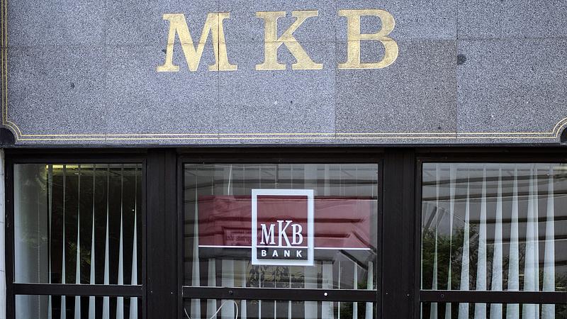 Baj van az MKB-nál? Sokan panaszkodnak
