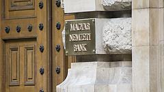 Véget vetne a gazdag magyarok trükkös nyerészkedésének a jegybank