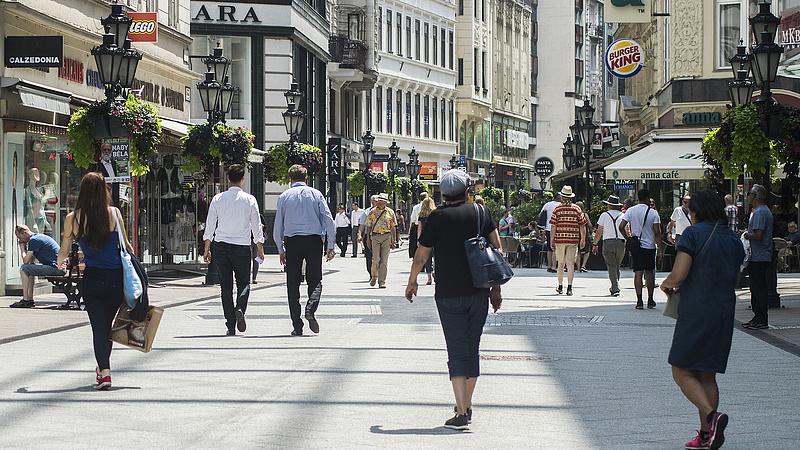 KSH: a külföldiek hajtották a turizmust novemberben