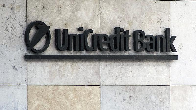 Kilencmilliárdnyi behajtandó követeléstől szabadul meg a magyar UniCredit