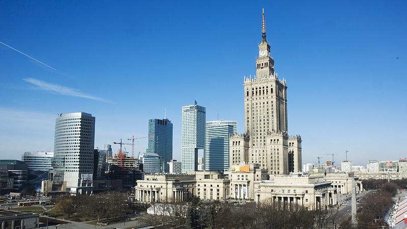 Gigantikus ígéretekkel nyert az ellenzéki jelölt Varsóban