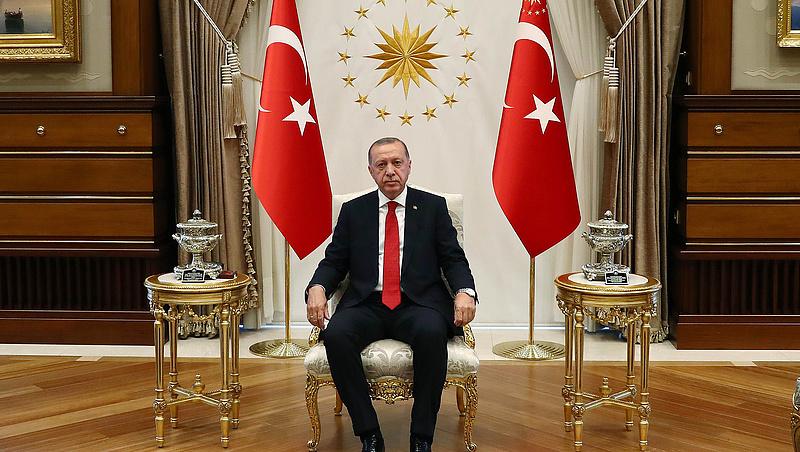 Folytatódnak a törökországi tisztogatások
