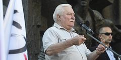 Elhaló hangon üzent a lengyelek nagy öregje