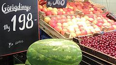 Rengeteg zöldséggel és gyümölccsel verik át a magyarokat