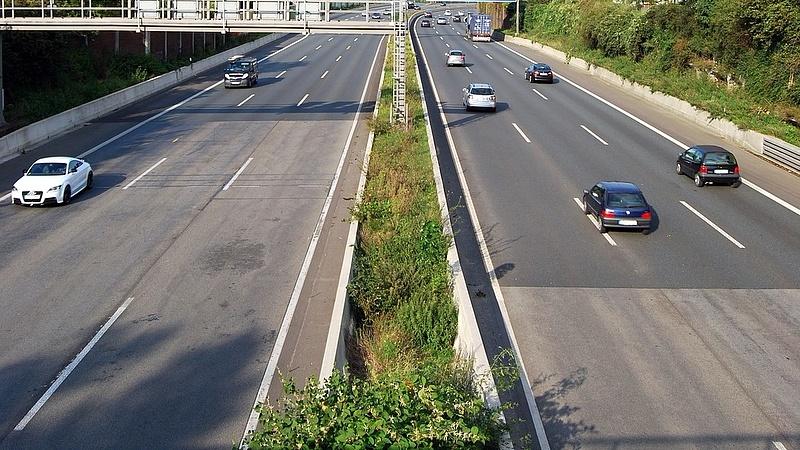 A csehek már a kilométer-alapú útdíjra készülnek
