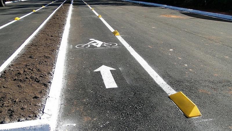 Az út- és vasútépítések húzzák az építőipart