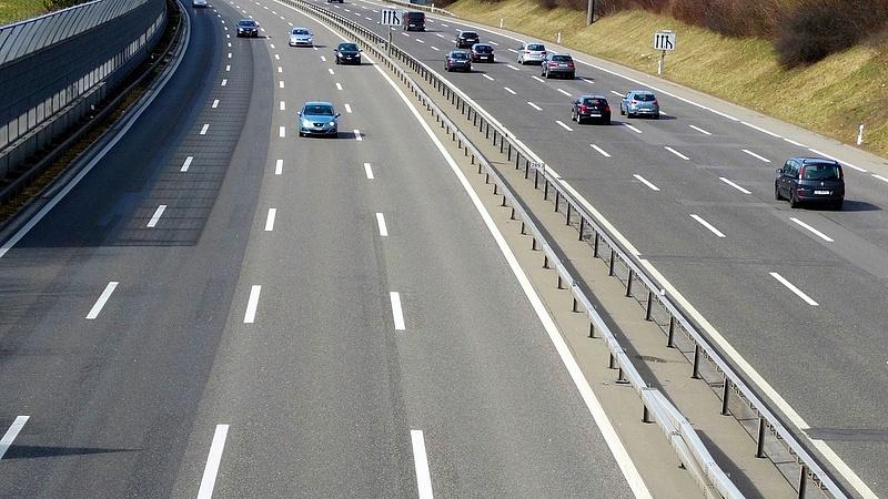 Minden autópályának el kell érnie a határig - gigafejlesztésekről beszélt Palkovics