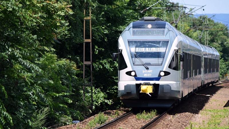 Felújítások miatt nem járnak majd a vonatok a Budapest-Hatvan vonalon
