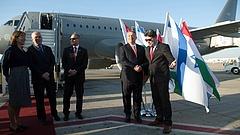 Hungarian Air Force-géppel repült a magyar kormány Izraelbe
