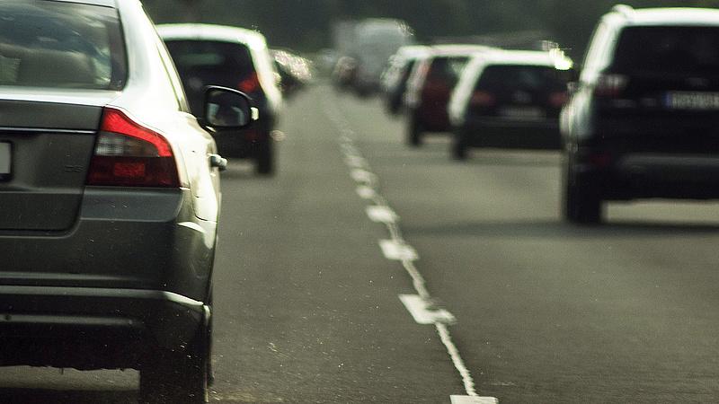 Ahogy elkezdődött a hétvége, beálltak az autópályák