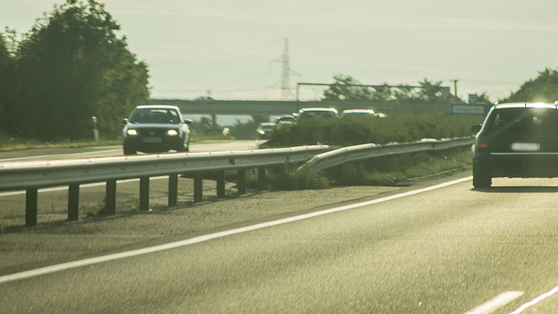 Baleset az M1-en - lezárták az autópályát