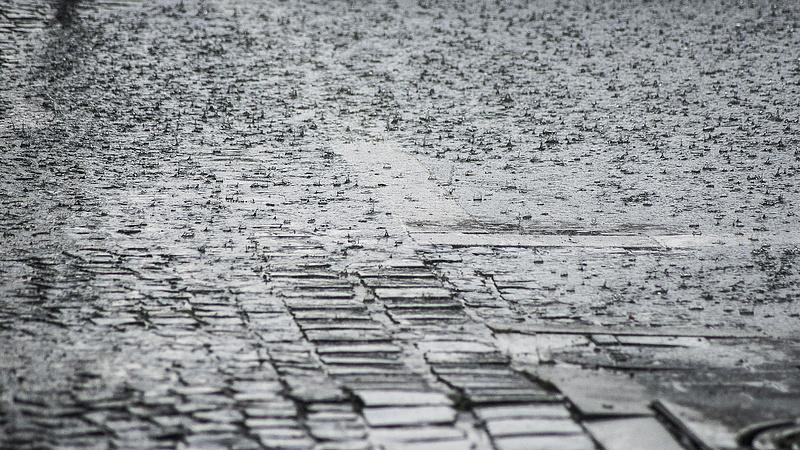 Aszály után árvíz: 350 kilométeren rendeltek el készültséget